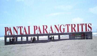 tempat wisata pantai parangtritis di jogja